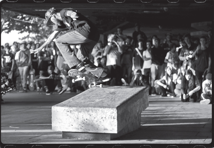 HUF LAYOUT 205.indd