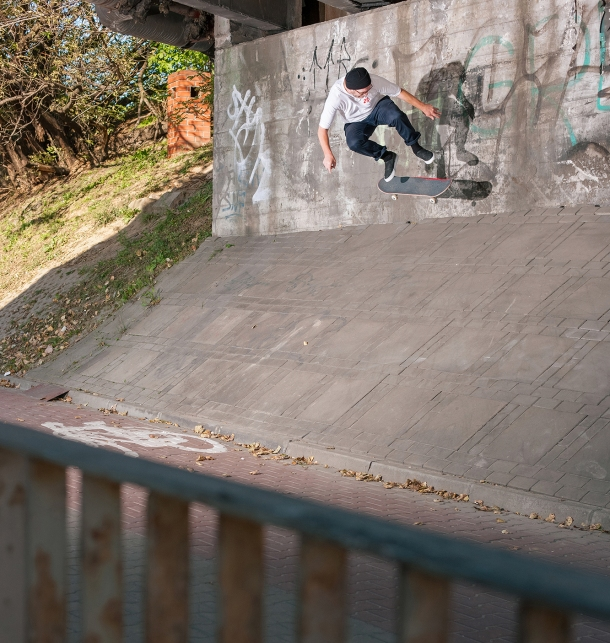 Mackey-Backside-Flip-Wawsaw-Poland