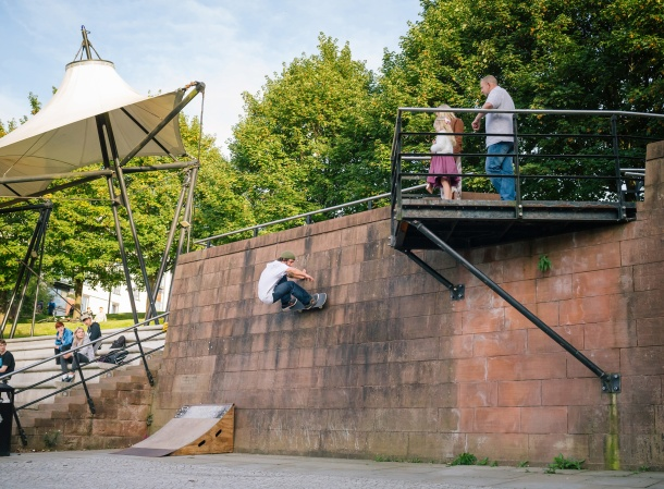 Eddie Belvedere, Frontside Wallride, Photo: CJ