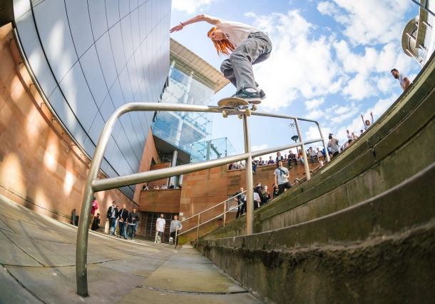 Sam Mason, Frontside Smith, Photo: CJ.