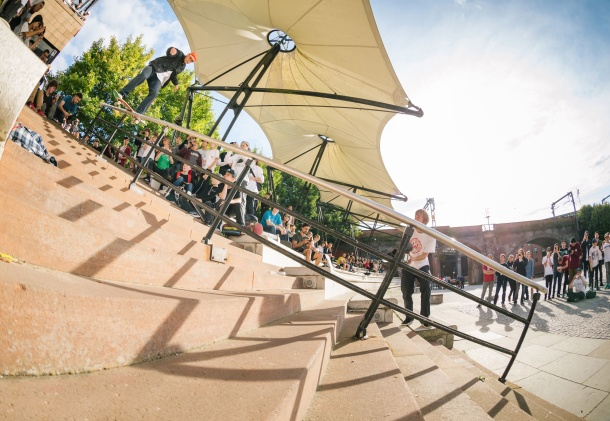 Harry Lintell, Castlefield Boardslide, Photo: Chris Johnson.