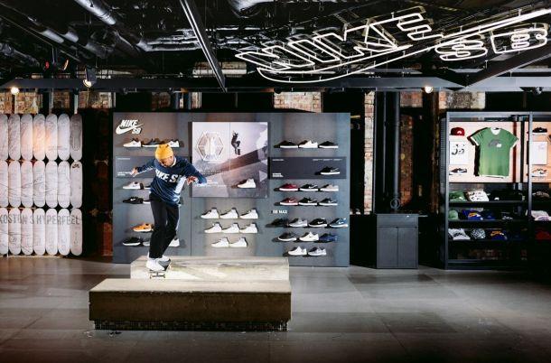 Eric Koston, Backside Tailslide, Nike Town, London, Koston 3 Launch.