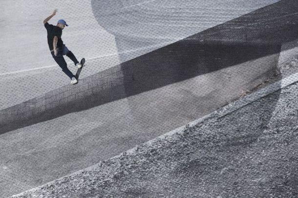 Eric Koston, Frontside Bluntslide, Photo - Nike SB.