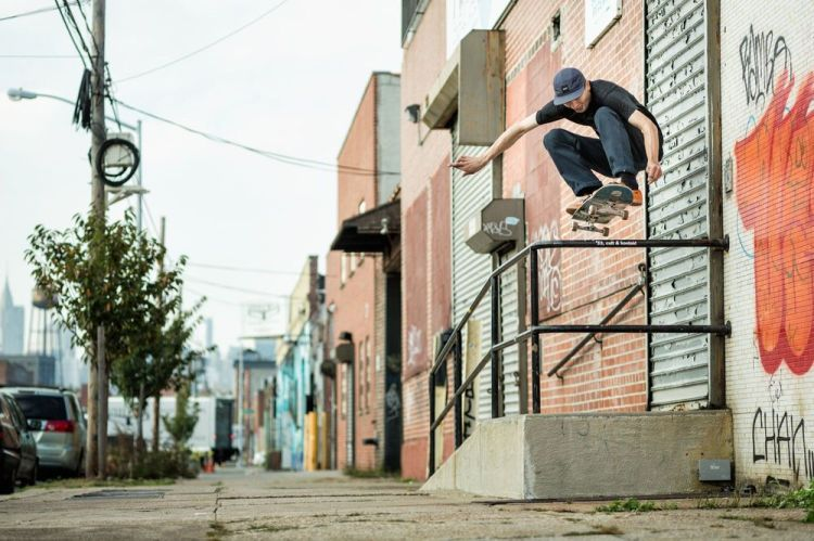Aaron Herrington, Bump to Bar Ollie, New York.