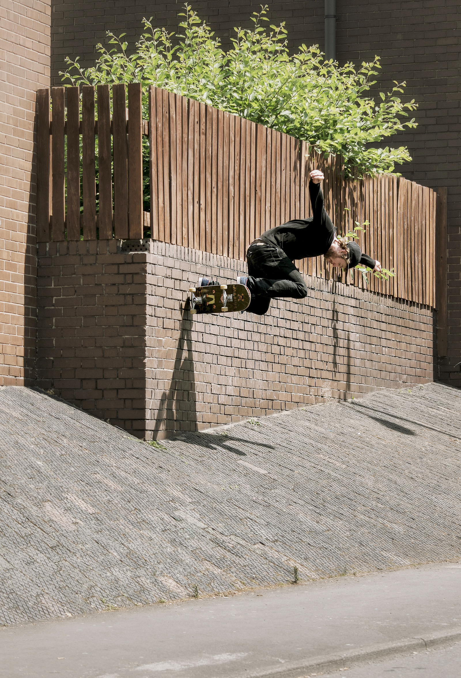 Silas Baxter-Neal, wallride backside-180, photo: Andrew Horsley
